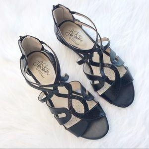 Life stride wedge sandals Sz 8 like new